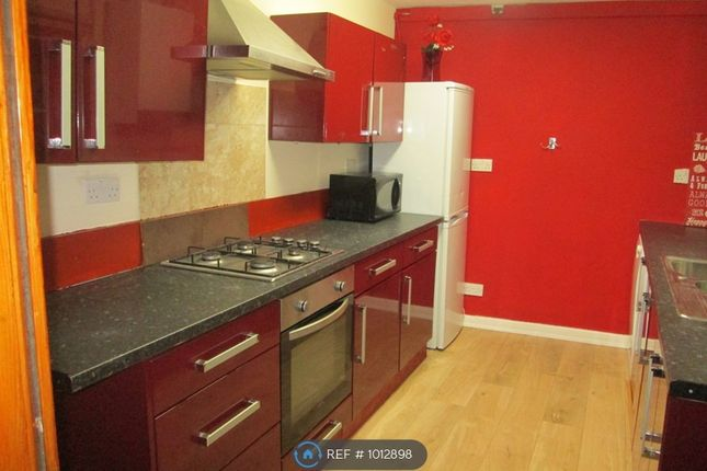 4 bed semi-detached house to rent in Princes Road, Middlesbrough TS1