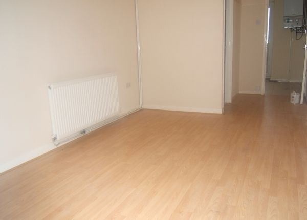 Thumbnail Flat to rent in Commercial Road, Resolven, Neath