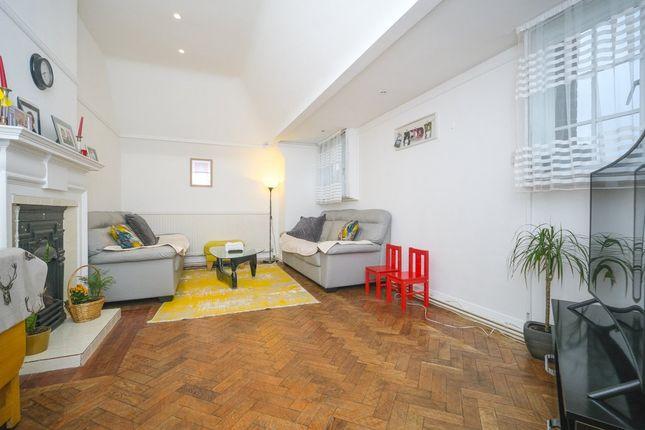 2 bed flat for sale in Lyttelton Court, Lyttelton Road N2