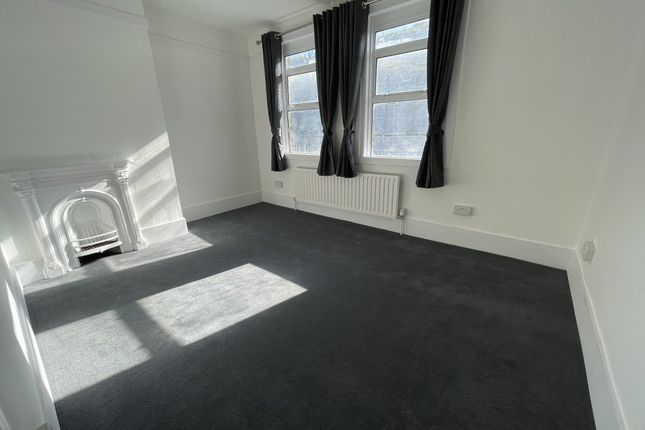 Maisonette to rent in Oakleigh Mews, Oakleigh Road North, London