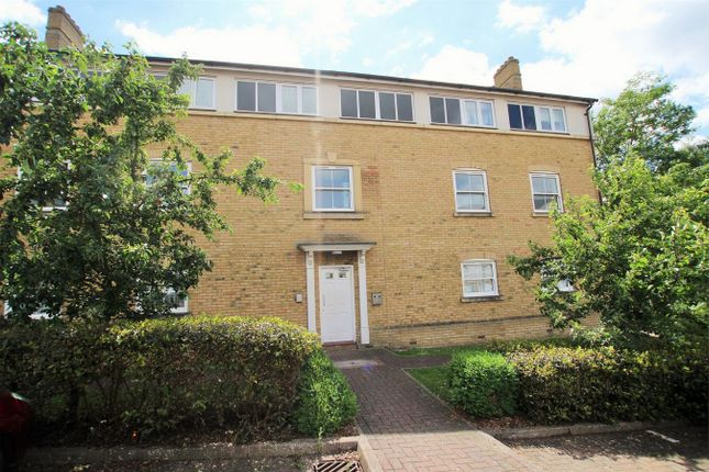Thumbnail Flat for sale in Holden Close, Braintree, Essex