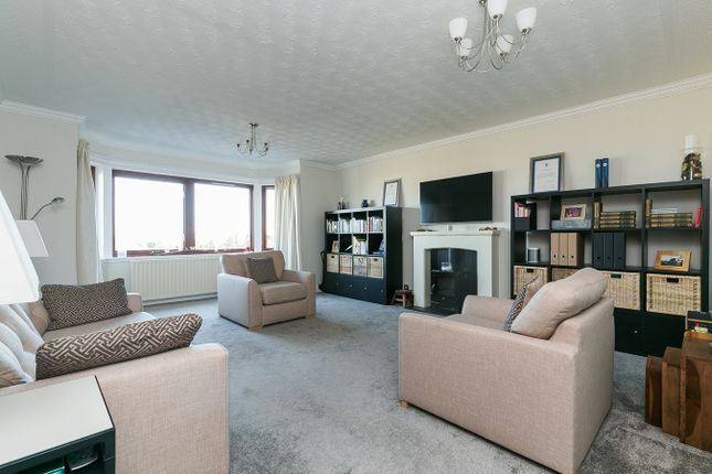 Thumbnail Flat for sale in Cramond Road North, Cramond, Edinburgh