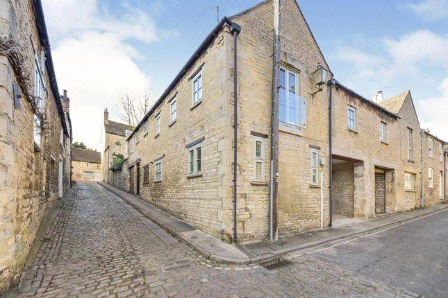 2 bed property to rent in Austin Street, Stamford PE9