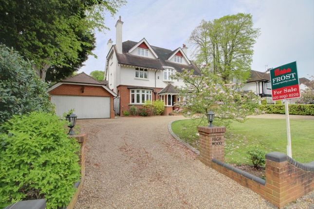 Thumbnail Detached house for sale in Peaks Hill, Purley