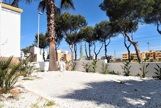 2 bed apartment for sale in Orihuela Costa, Valencia, Spain