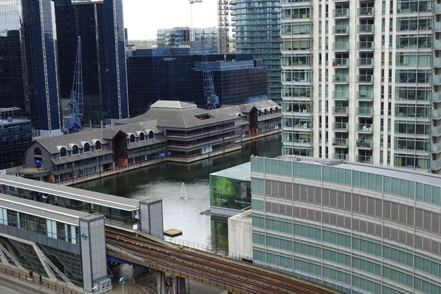 2 bed flat to rent in South Quay Square, London