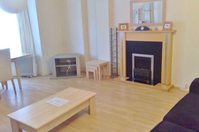 Thumbnail Maisonette to rent in Kent Road, Southsea