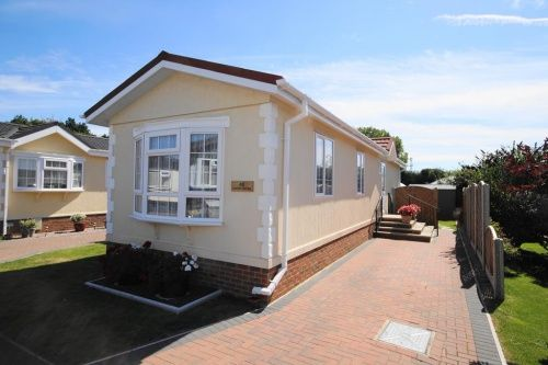 2 Bed Mobile Park Home For Sale In Stour New Road Bournemouth