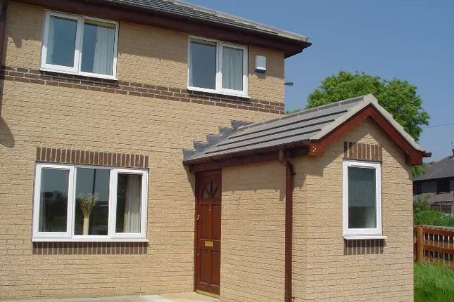 Thumbnail Property to rent in Hopton Avenue, Bowling, Bradford