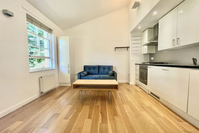 Flat to rent in Crane Grove, Highbury & Islington