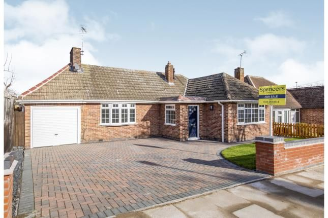 Thumbnail Bungalow for sale in Alcester Drive, Leicester, Leicestershire