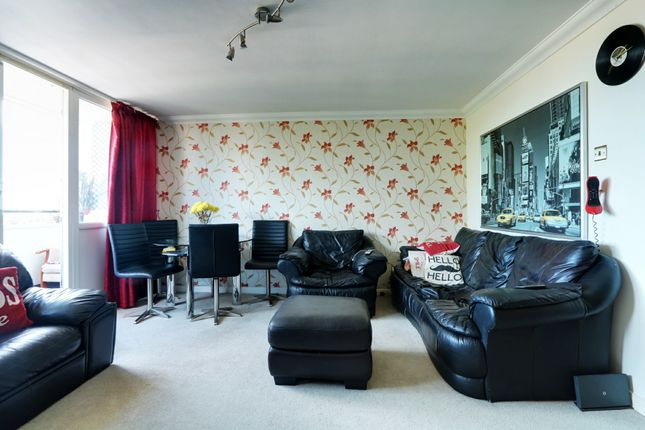 2 bed flat for sale in Chichester Road, Southend-On-Sea SS1