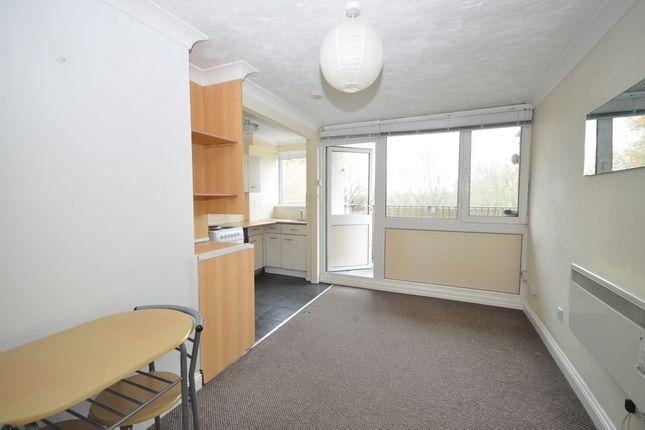 1 bed flat to rent in Longfield Avenue, Fareham PO14