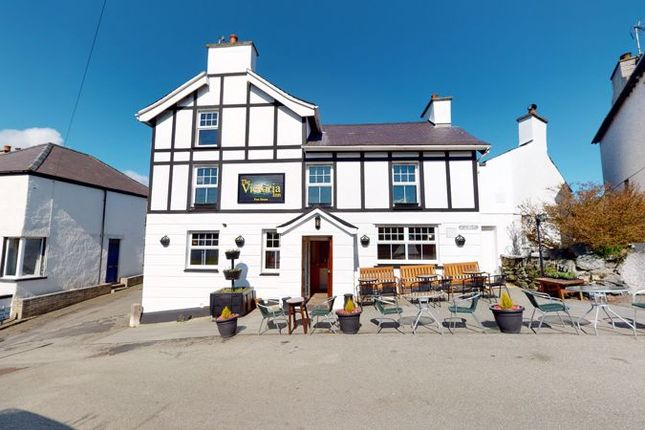 Thumbnail Detached house for sale in Porthyfelin, Holyhead