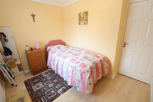 Bedroom 2 of Countess Close, Hull HU6