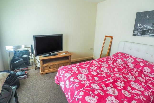Bedroom of 117 Abbey Street, Hull HU9