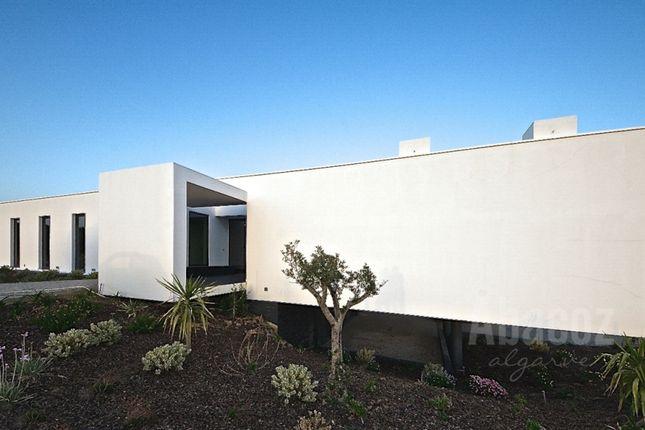 Thumbnail Villa for sale in Bensafrim, Lagos, Algarve, Portugal
