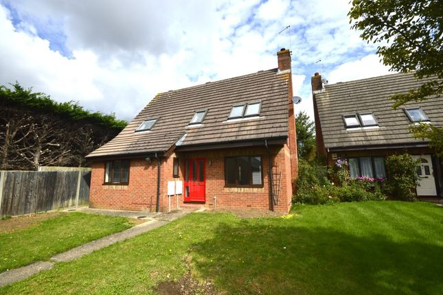 Thumbnail Detached house to rent in Mount Pleasant Lane, Bricket Wood, St. Albans