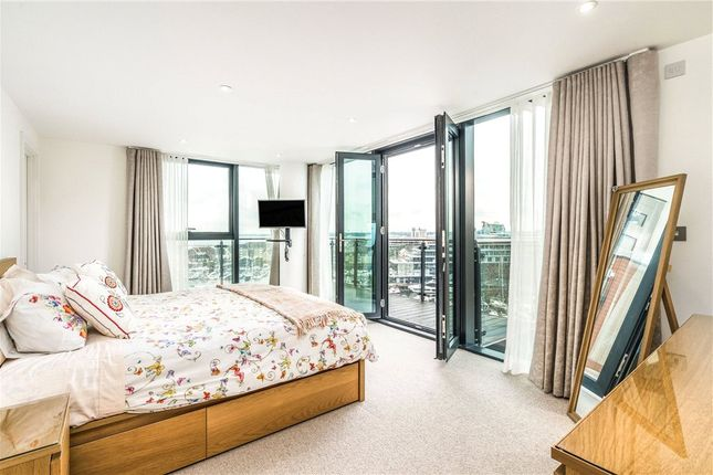 Flat for sale in The Blake Building, Admirals Quay, Ocean Way