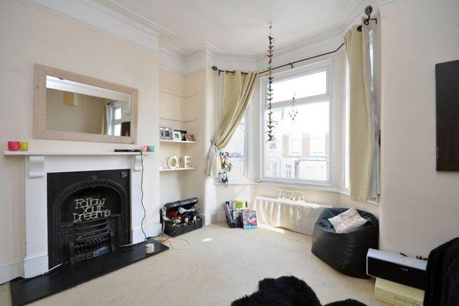 2 bed flat to rent in St Elmo Road, Shepherd's Bush