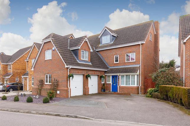 Thumbnail Detached house for sale in Station Close, Henlow