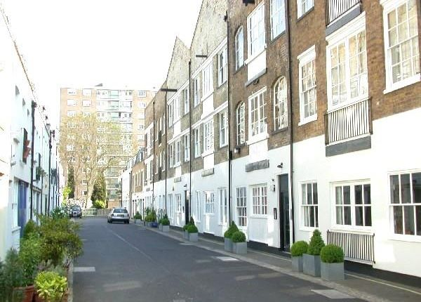 2 bed flat for sale in Brook Mews North, London
