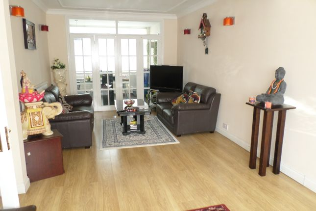 4 bed semi-detached house to rent in Kenmore Avenue, Kenton