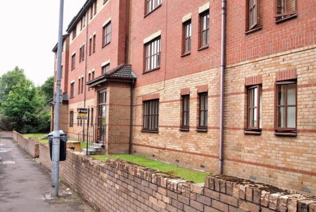 Thumbnail Flat to rent in Greenlaw Road, Glasgow
