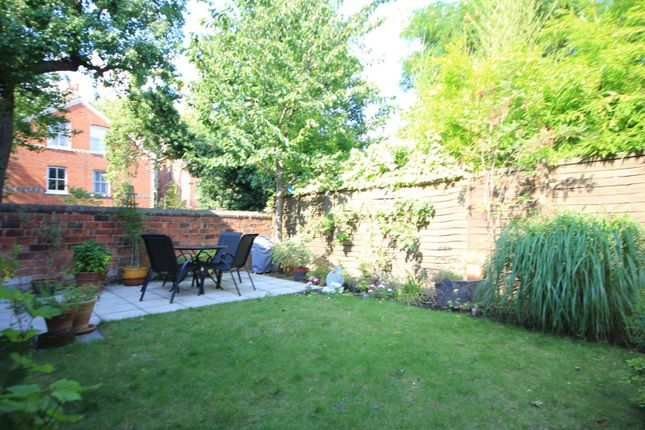 Garden of Donnington Road, Reading RG1