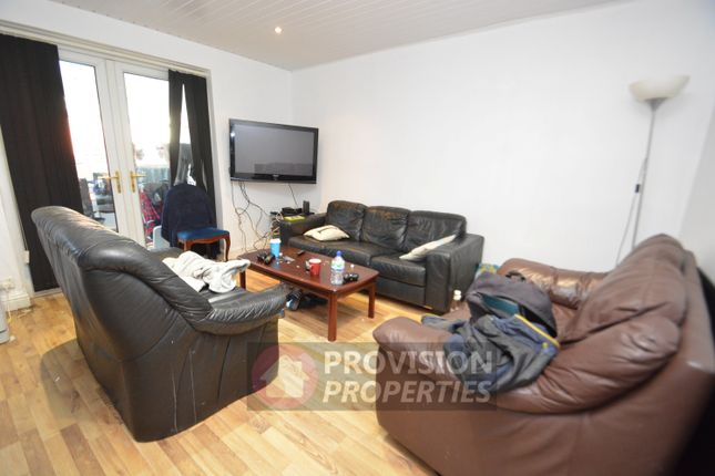 Thumbnail Semi-detached house to rent in Mayville Road, Hyde Park, Leeds