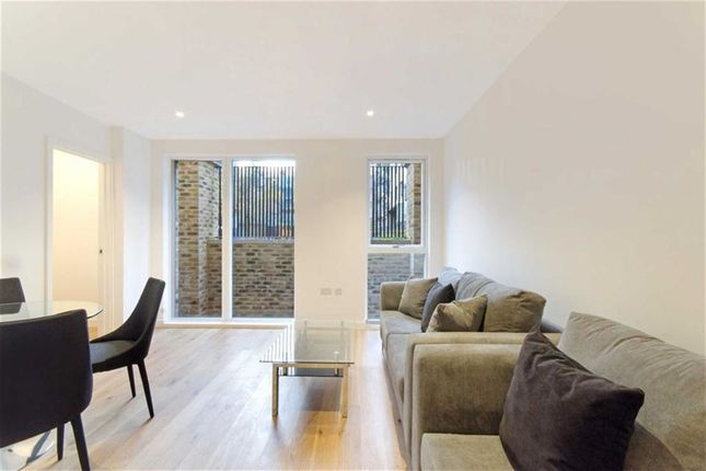 Thumbnail Flat to rent in St Pancras Place, King's Cross, London