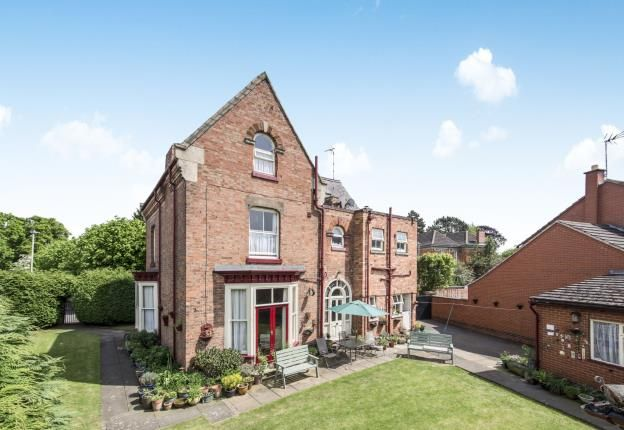 Thumbnail Detached house for sale in Avenue Road, Stoneygate, Leicester, Leicestershire