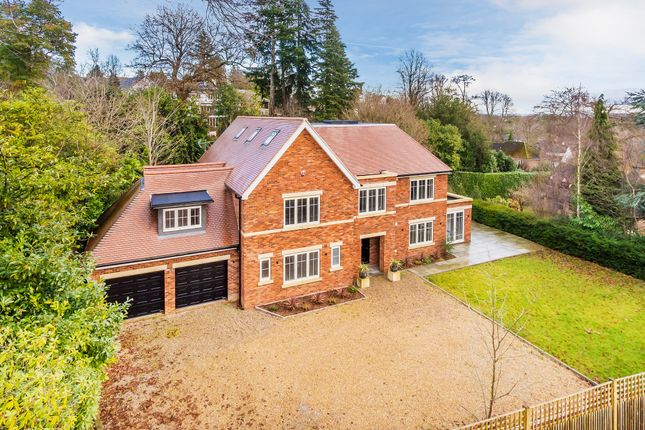 Thumbnail Detached house for sale in Icehouse Wood, Oxted