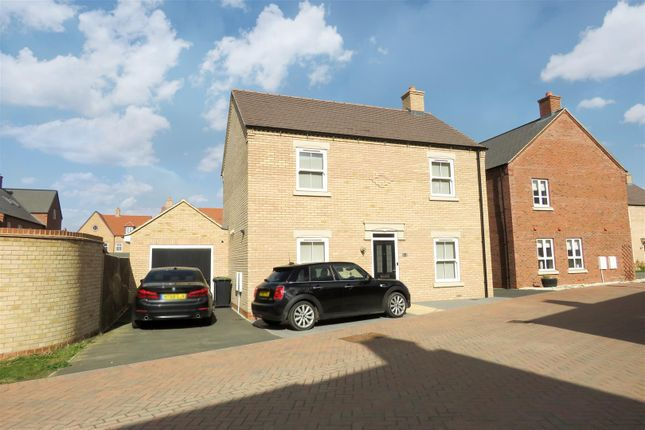 Thumbnail Detached house for sale in Wakes Row, Biggleswade