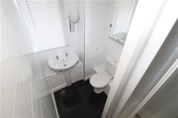 Shower Room of Samuel Street, Preston PR1