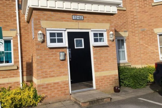 2 bed flat to rent in Jenkinson Grove, Armthorpe, Doncaster DN3