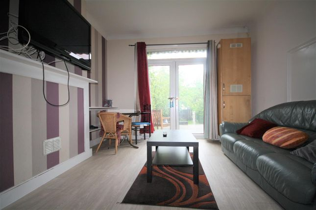 Thumbnail Room to rent in Herbert Gardens, Kensal Rise, London