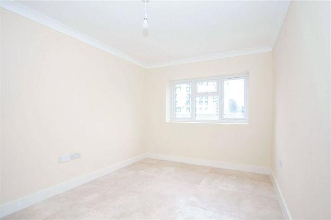 Bedroom of Kings Road, London SE25