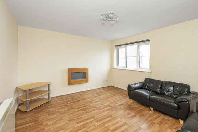 Thumbnail Flat for sale in 13 Queens Crescent, Eliburn, Livingston, West Lothian