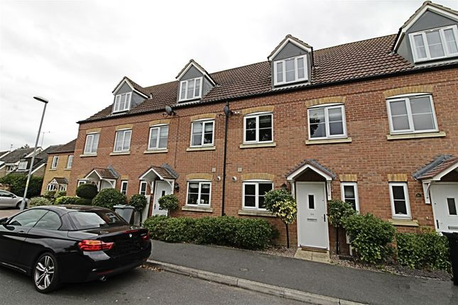 Thumbnail Town house to rent in Rosemary Avenue, Market Deeping, Peterborough