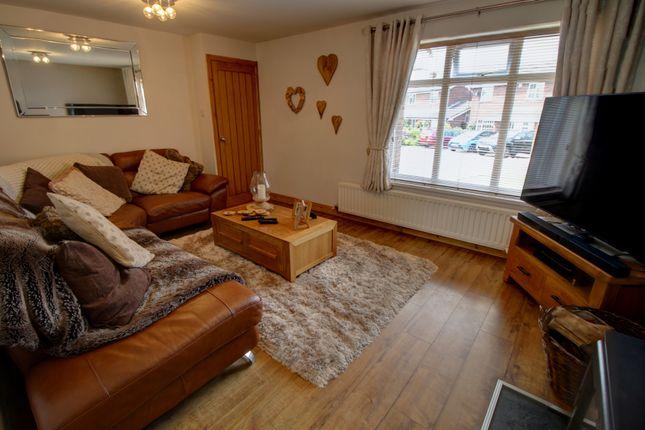 Lounge Photo 2 of Dunster Grove, Perton, Wolverhampton WV6