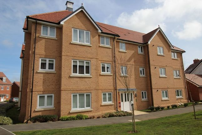 Thumbnail Flat to rent in Kensington Way, Polegate