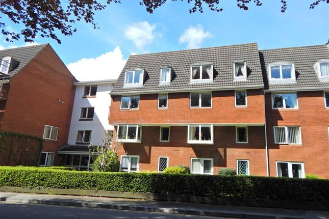 Thumbnail Flat to rent in Hendford, Yeovil