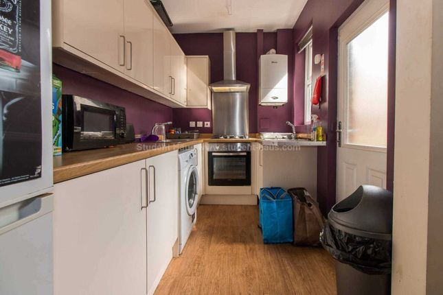Thumbnail Detached house to rent in Great Clowes Street, Salford