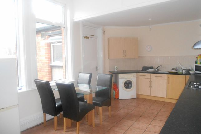 Thumbnail Flat to rent in Osborne Road, Southsea, Hampshire