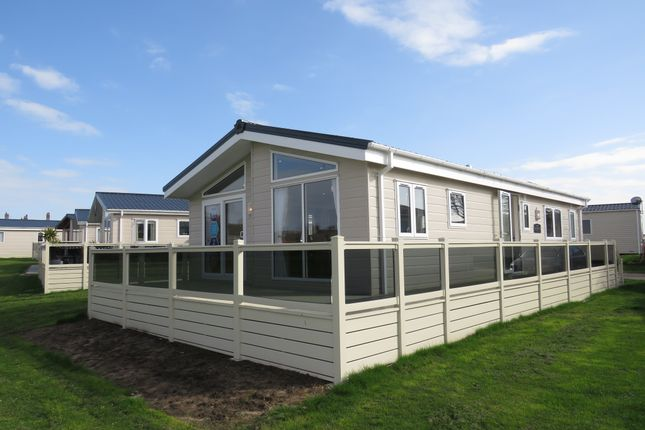 Thumbnail Mobile/park home for sale in Suffolk Sands Holiday Park, Carr Road, Felixstowe