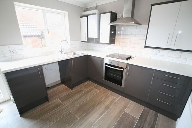 3 bed detached house to rent in Warren Avenue, Fakenham NR21