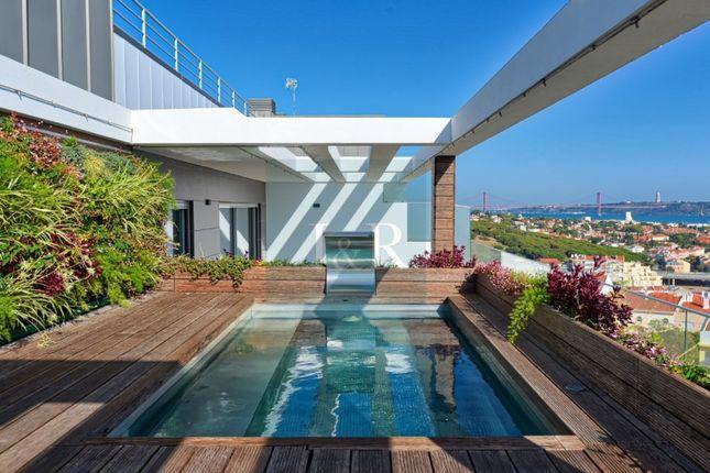 Thumbnail Apartment for sale in Algés, Linda-A-Velha E Cruz Quebrada-Dafundo, Oeiras, Lisboa