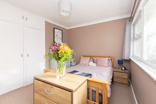 Bedroom 1 B of North Hill Close, Roundhay, Leeds LS8