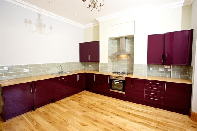 Thumbnail Flat to rent in Hanover Square, Leeds